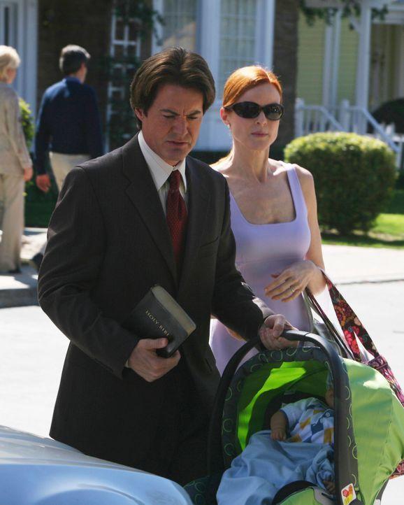 Sonntagmorgen: Bree (Marcia Cross, r.) und Orson (Kyle MacLachlan, l.) gehen zum wöchentlichen Gottesdienst ... - Bildquelle: ABC Studios