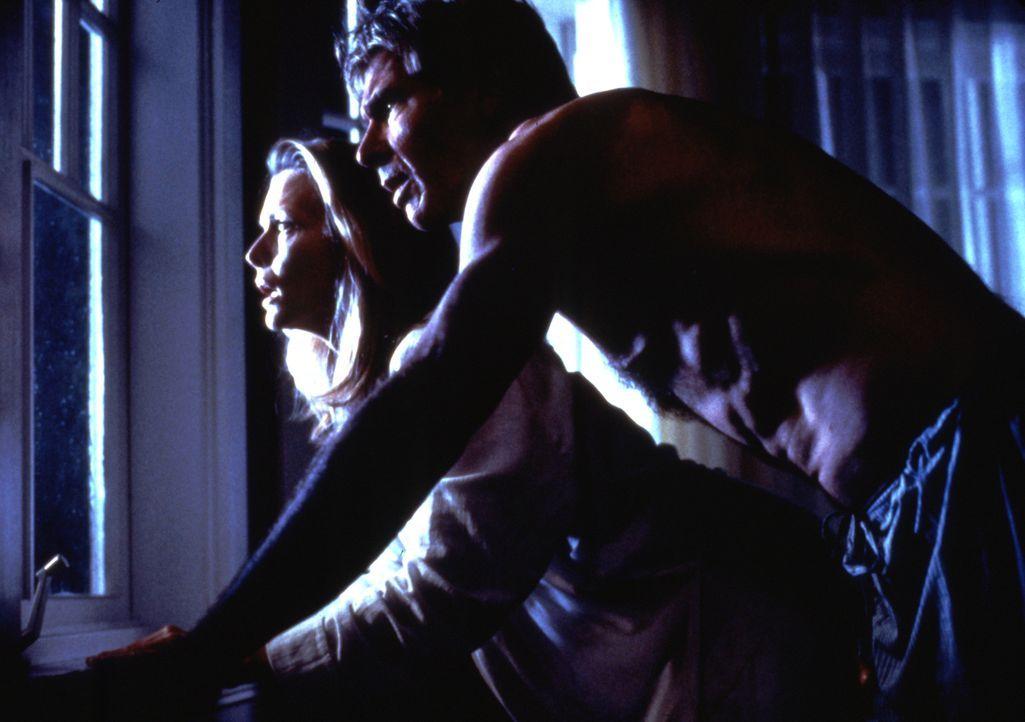 Werden von den dunklen Schatten der Vergangenheit verfolgt: Norman (Harrison Ford, r.) und Claire Spencer (Michelle Pfeiffer, l.) ... - Bildquelle: 20th Century Fox