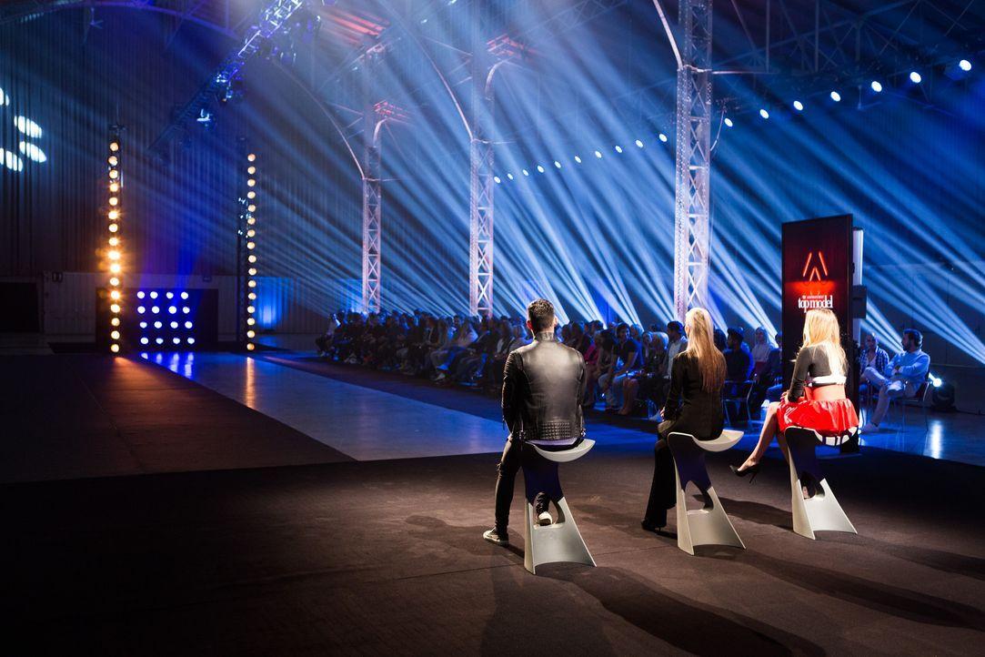 ANTM-Jury. Daniel Bamdad, Eveline Hall und Marina Hoermanseder_c_Bernhard Eder (10) - Bildquelle: Bernhard Eder