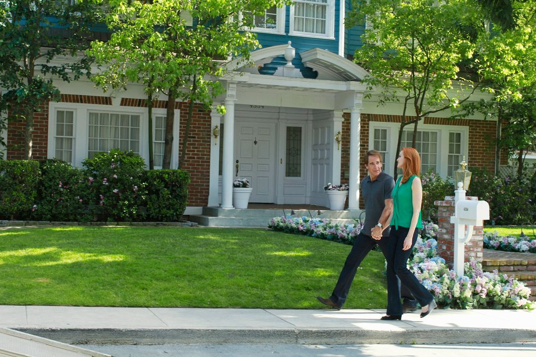 Lassen die Wistera Lane hinter sich: Bree (Marcis Cross, r.) und Trip (Scott Bakula, l.) ... - Bildquelle: ABC Studios
