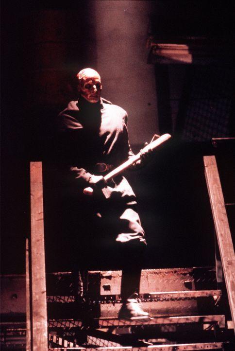 Buffy tritt gegen die Dämonen der Unterwelt an. - Bildquelle: TM +   2000 Twentieth Century Fox Film Corporation. All Rights Reserved.