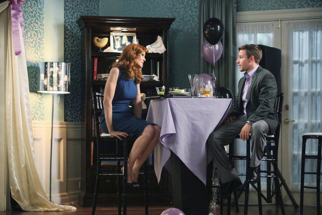 Gabrielle will trotz Carlos' Kündigung keine Abstriche in ihrer Lebensführung machen und beschließt deshalb, einen Job anzunehmen, während Andrew (S... - Bildquelle: ABC Studios