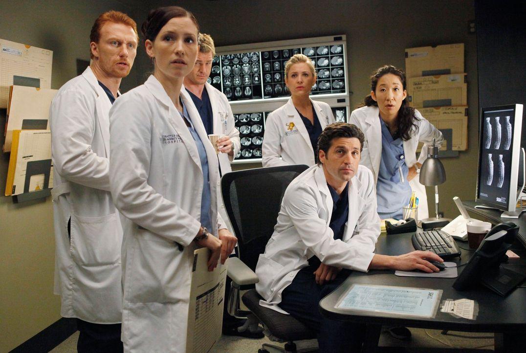 Die Stimmung im Seattle Grace ist wegen der Fusion nach wie vor sehr angespannt. Die Angestellten im Krankenhaus befürchten, dass die nächste Entlas... - Bildquelle: Touchstone Television