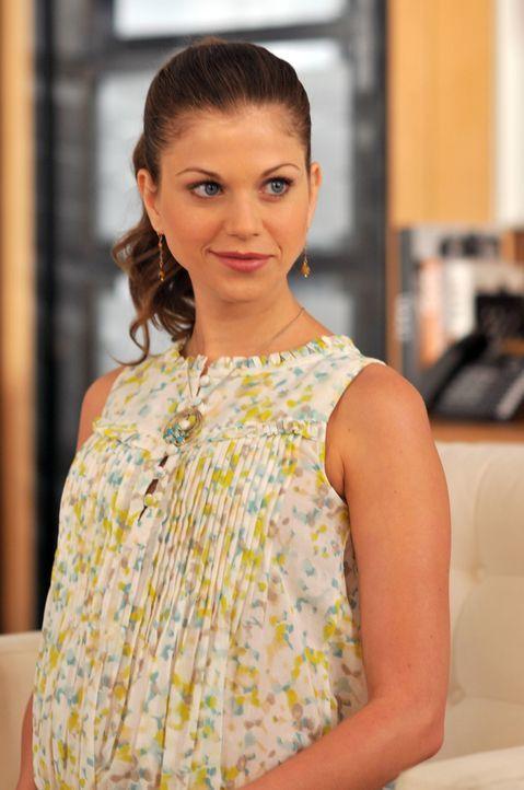 Nico hat mit dem Doppelleben ihres toten Mannes zu kämpfen. Megan (Shannon McGinnis), die ein Kind von Charles erwartet, lässt nicht locker und erwa... - Bildquelle: NBC, Inc.