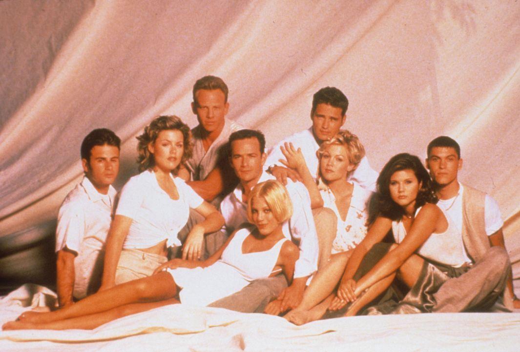 (6. Staffel) - Das Leben unter der Sonne Kaliforniens hat gelegentlich auch Schattenseiten: (v.l.n.r.): Ray Pruit (James Walters), Clare Arnold (Kat... - Bildquelle: Paramount Pictures