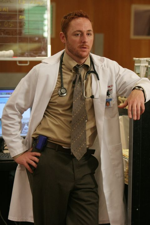 Neela fühlt sich von Morris (Scott Grimes) im Stich gelassen, da er nur herum meckert und nicht wirklich hilft ... - Bildquelle: Warner Bros. Television