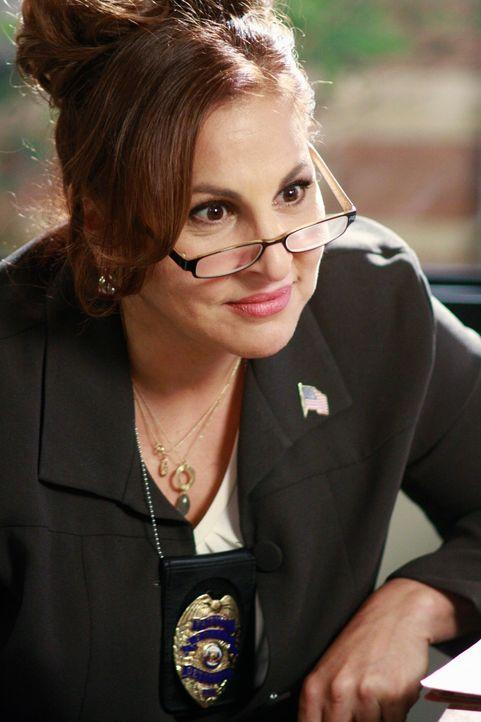 Gibt vor, Susan bei der Täterfindung von Julies Angreifer zu unterstützen, doch Detective Denise Lapera (Kathy Najimy) plant einen Rachefeldzug für... - Bildquelle: ABC Studios