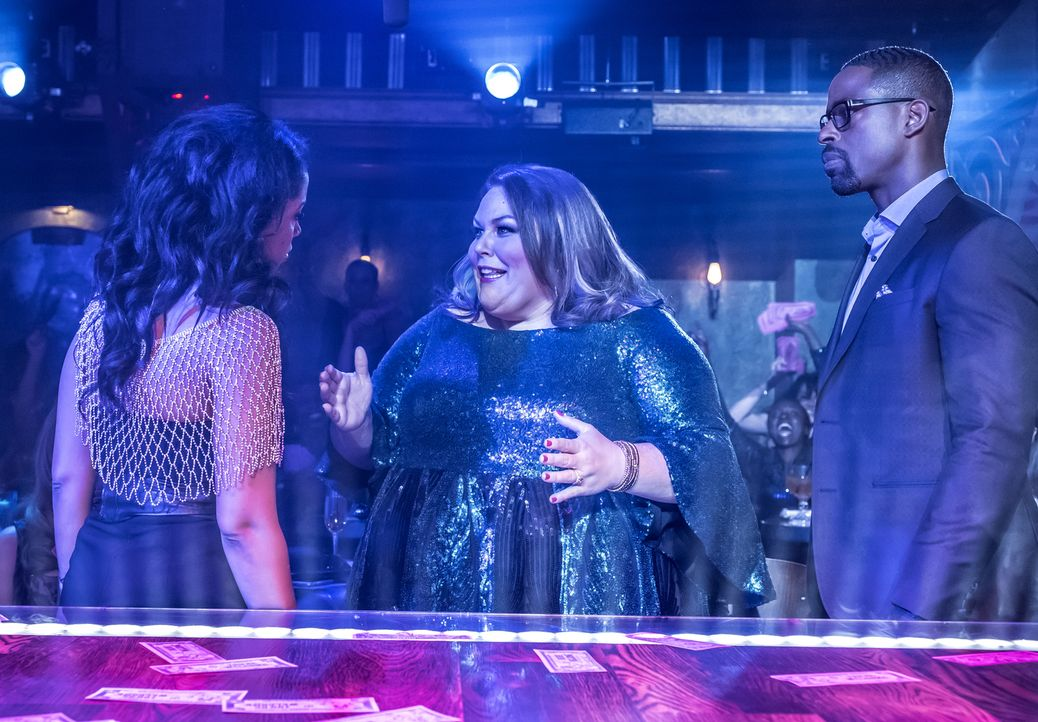 (v.l.n.r.) Beth Pearson (Susan Kelechi Watson); Kate Pearson (Chrissy Metz); Randall Pearson (Sterling K. Brown) - Bildquelle: Ron Batzdorff 2017-2018 NBCUniversal Media, LLC.  All rights reserved.