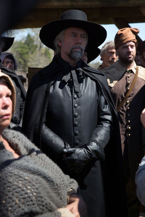 Die Beharrlichkeit, mit der neuerdings in Salem gegen die Hexen vorgegangen wird, macht nicht nur Richter Hale (Xander Berkeley) Angst ... - Bildquelle: 2013-2014 Fox and its related entities.  All rights reserved.