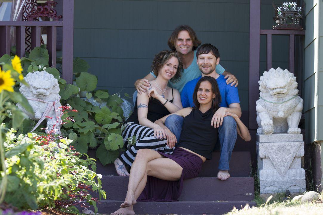 (2. Staffel) - Kamala (vorne), Michael (hinten), Jen (Mitte l.) und Tahl (Mitte r.) kämpfen in San Diego mit den Tücken des Zusammenlebens ... - Bildquelle: Showtime Networks Inc. All rights reserved.