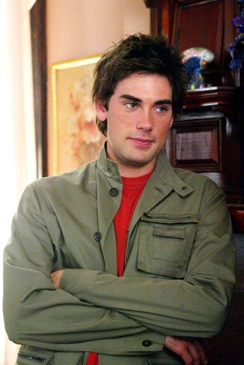 Chris, (Drew Fuller) kommt aus der Zukunft um die Mächtigen drei zu retten ... - Bildquelle: Paramount Pictures