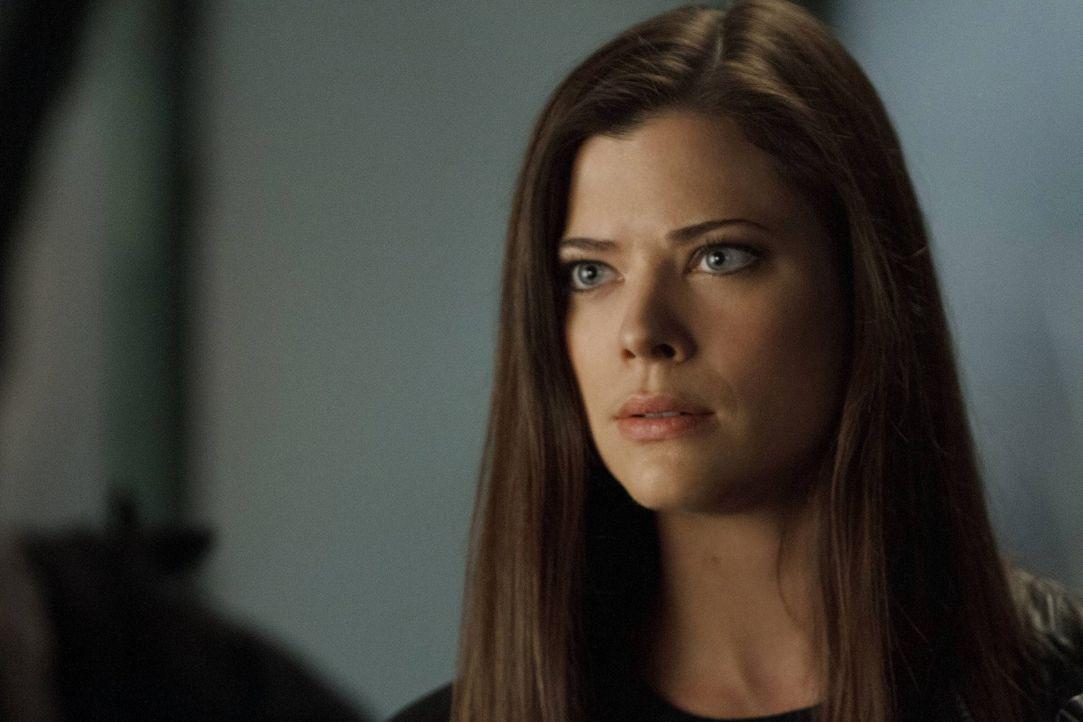 Für Cara (Peyton List) wird es immer schwerer, ihre Leute hinter sich zu vereinen ... - Bildquelle: Warner Bros. Entertainment, Inc