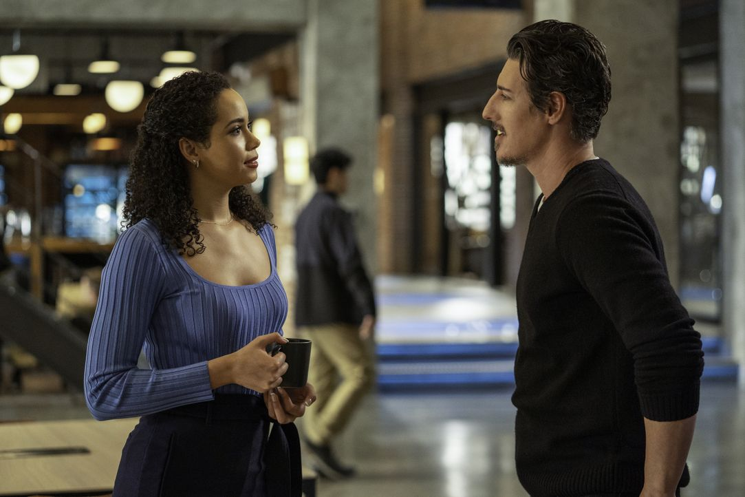 Macy Vaughn (Madeleine Mantock, l.); Julian Shea (Eric Balfour, r.) - Bildquelle: Colin Bentley 2019 The CW Network, LLC. All Rights Reserved. / Colin Bentley