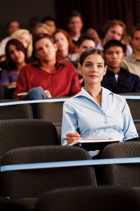 Das College - und das Leben - haben noch einige Überraschungen und Herausforderungen für Sam (Katie Holmes, vorne) auf Lager. Aber sie ist entschl... - Bildquelle: Epsilon Motion Pictures GmbH