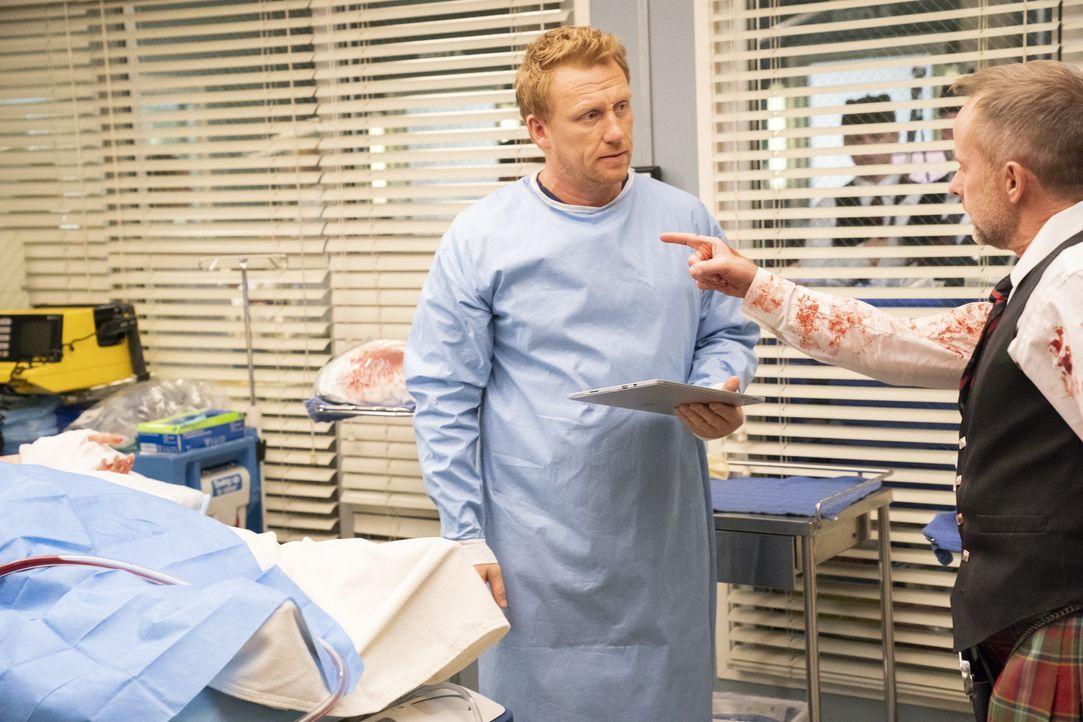 Dr. Owen Hunt (Kevin McKidd, l.); Seamus (Billy Boyd, r.) - Bildquelle: Mitch Haaseth ABC Studios / Mitch Haaseth