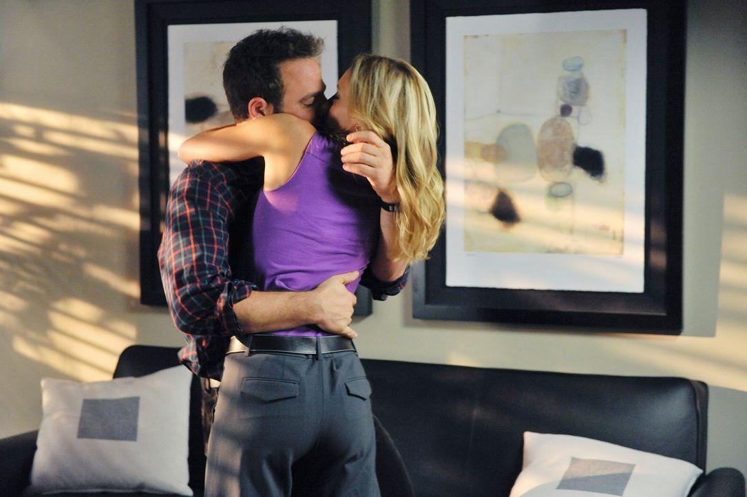 Das perfekte Paar? Charlotte (KaDee Strickland, r.) und Cooper (Paul Adelstein, l.) ... - Bildquelle: ABC Studios