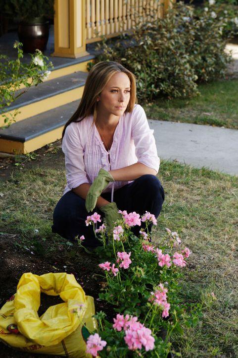 Jim ist von Detektive Neely angeschossen worden, und stirbt kurz darauf im Krankenhaus. Melinda (Jennifer Love Hewitt) ist vollkommen am Boden zerst... - Bildquelle: ABC Studios