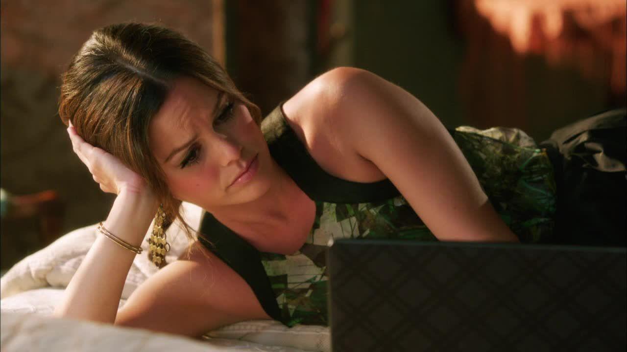 Zoe darf gerade nicht als Ärztin arbeiten: - Bildquelle: Warner Bros. Entertainment Inc.
