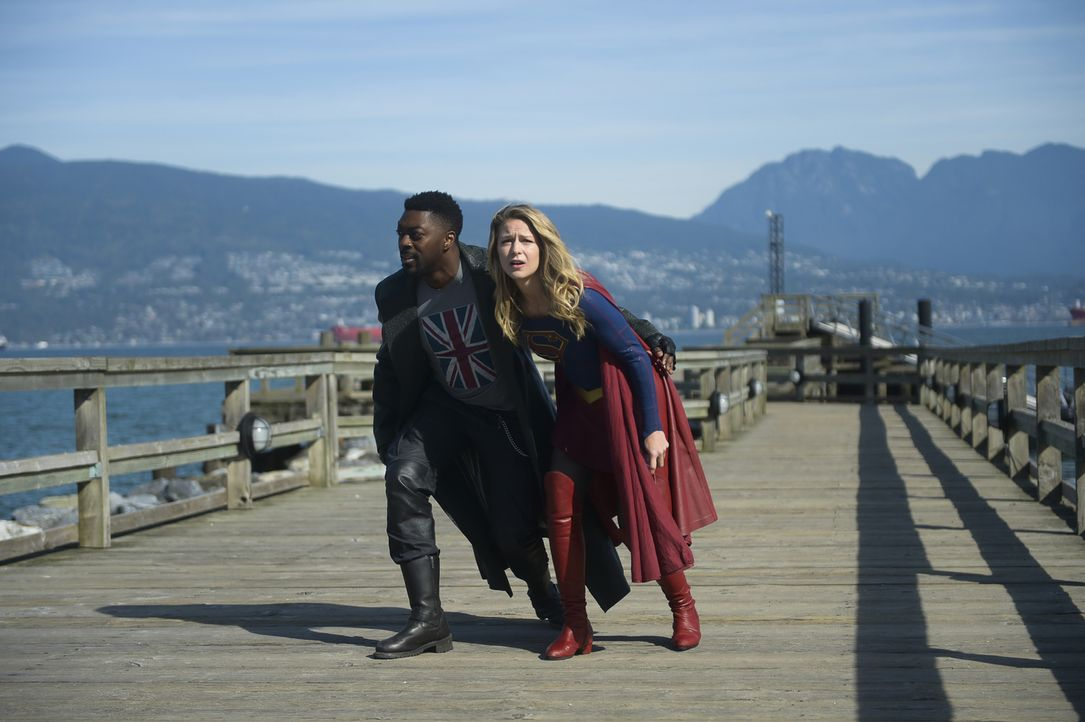 Manchester Black (David Ajala, l.); Supergirl alias Kara Danvers (Melissa Benoist, r.) - Bildquelle: Sergei Bachlakov 2018 The CW Network, LLC. All Rights Reserved.