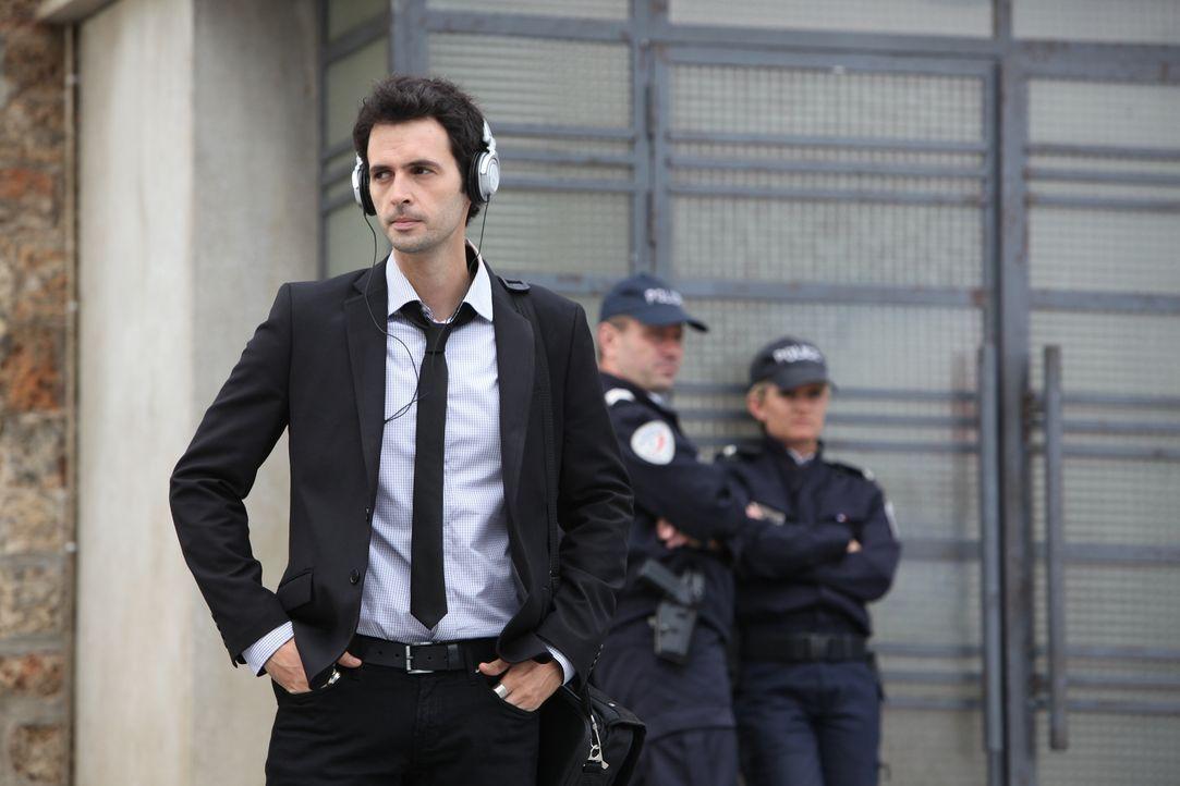 Gleich zwei Morde warten auf Hippolite (Raphaël Ferret, l.) und das Team ... - Bildquelle: 2011 BEAUBOURG AUDIOVISUEL