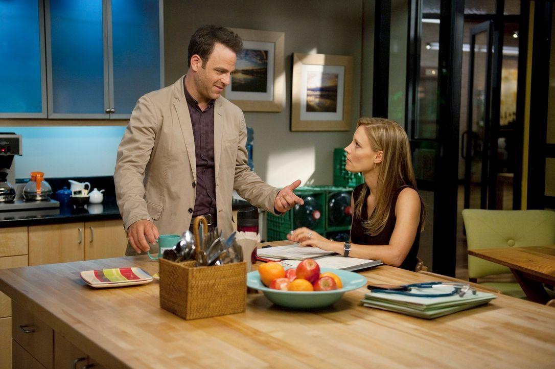 Während Pete nicht zu seiner Anhörung im Gericht erscheint, erfährt  Charlotte (KaDee Strickland, r.) schockierende Neuigkeiten und zwingt Cooper... - Bildquelle: ABC Studios