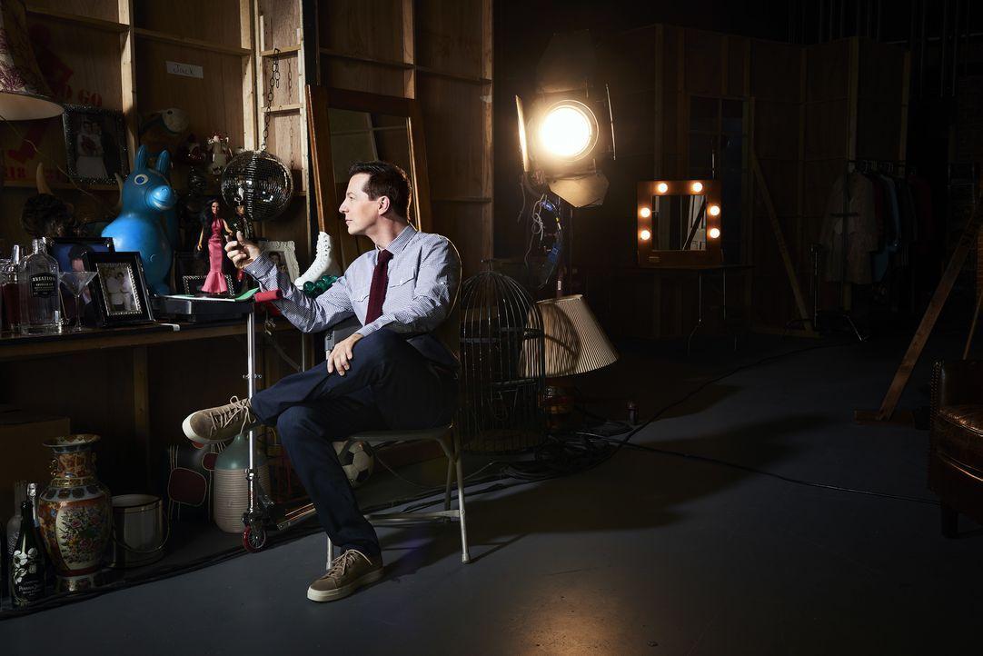 (9. Staffel) - Die neue digitale Welt eröffnet Jack (Sean Hayes) ganz neue Möglichkeiten, sorgt aber auch für einige Probleme ... - Bildquelle: Andrew Eccles 2017 NBCUniversal Media, LLC / Andrew Eccles
