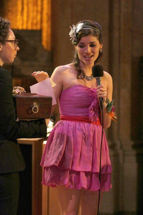 """""""Und die Ballkönigin dieses Jahr ist ... Blair Waldorf!"""". Da hat Penelopes (Amanda Setton) Intrige wohl nicht funktioniert ... - Bildquelle: Warner Brothers"""
