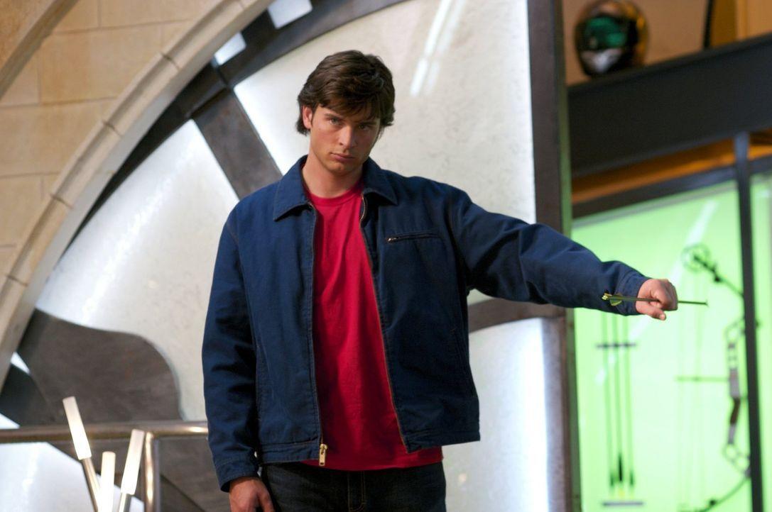 Weil der Green Arrow seiner Mutter eine Kette gestohlen hat, ist es Clark (Tom Welling) ein besonderes Anliegen, herauszufinden, wer dahinter steckt... - Bildquelle: Warner Bros.