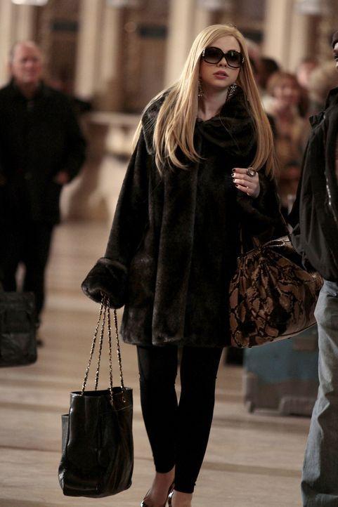 Was plant Georgina (Michelle Trachtenberg) wohl diesmal? - Bildquelle: Warner Bros. Television