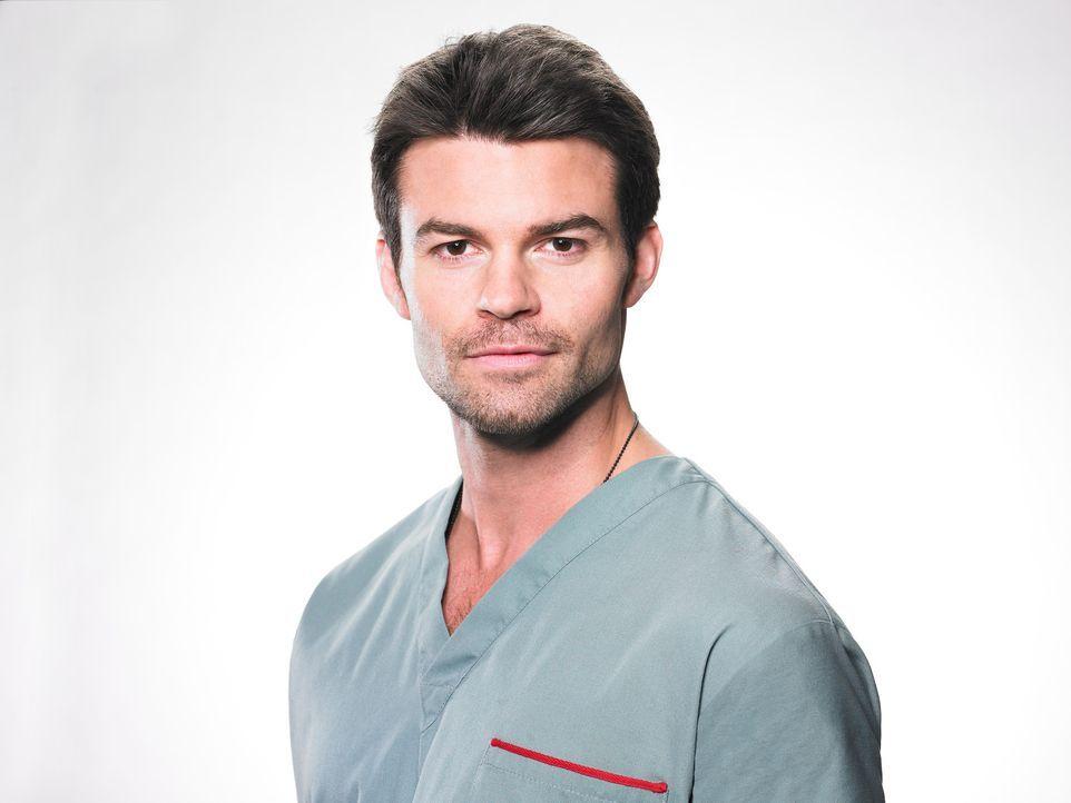 (1. Staffel) - In der schweren Zeit steht Dr. Joel Goran (Daniel Gillies) Alex zur Seite. Hat er noch immer Gefühle für sie? - Bildquelle: 2012  Hope Zee One Inc.