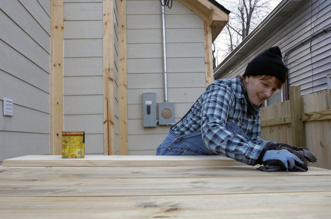 Auf Karen (Bild) und ihre Tochter wartet richtig viel Arbeit, denn das Haus, was sie für nur $4500 gekauft haben, ist eigentlich nur noch eine Ruine... - Bildquelle: 2016, HGTV/Scripps Networks, LLC. All Rights Reserved.