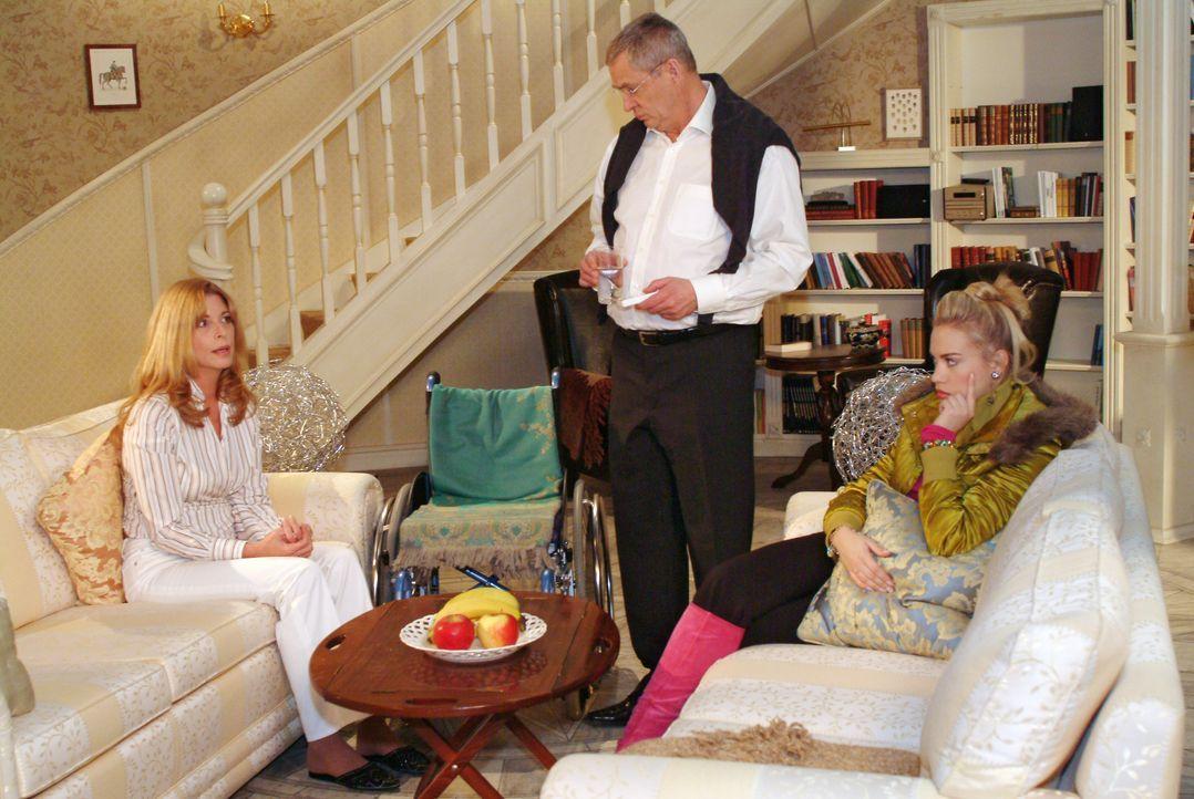 Kim (Lara-Isabelle Rentinck, r.) steht zwischen den Stühlen, als Laura (Olivia Pascal, l.) ihr und Friedrich (Wilhelm Manske, M.) eröffnet, dass sie... - Bildquelle: Monika Schürle SAT.1 / Monika Schürle