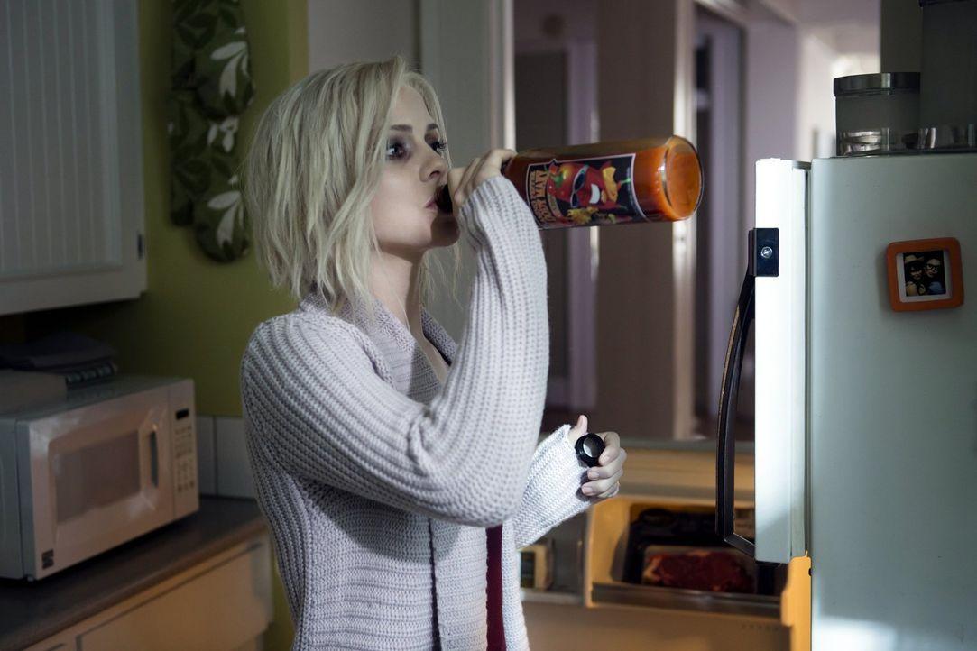 Livs (Rose McIver) Geschmacksnerven sind abgestorben. Sie kann nur noch etwas schmecken, wenn es höllisch scharf ist ... - Bildquelle: Warner Brothers