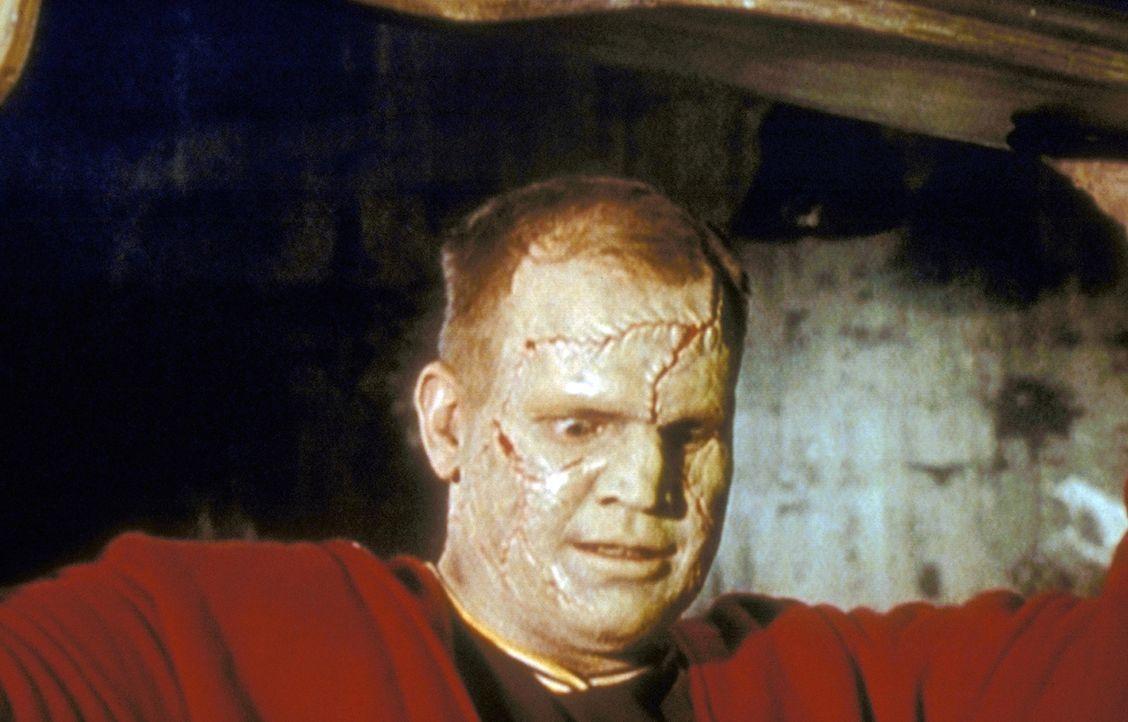 Daryl (Ingo Neuhaus), der bei einem Autounfall ums Leben kam, wurde von seinem Bruder wieder zum Leben erweckt. - Bildquelle: TM +   2000 Twentieth Century Fox Film Corporation. All Rights Reserved.
