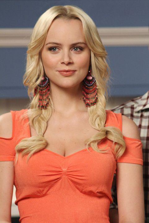 Nimmt den Kampf mit Lynette auf: Irina (Helena Mattsson) ... - Bildquelle: ABC Studios
