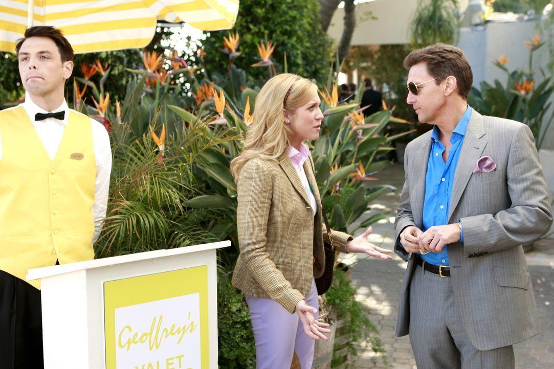 Rückblende: Lily (Brittany Snow, M.) würde alles dafür geben, um bei ihrem Dad (Andrew McCarthy, r.) wohnen zu dürfen. Doch der hat gar keine Zeit,... - Bildquelle: Warner Brothers