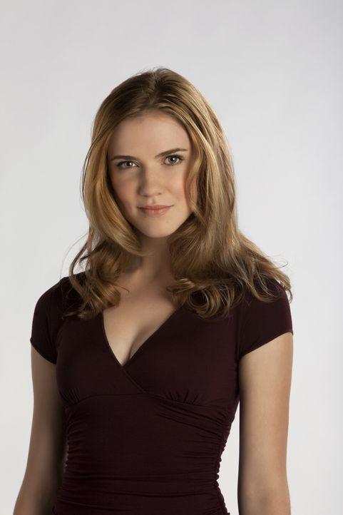 (1. Staffel) - Jenna Sommers (Sara Canning) hat Elena und Jeremy nach dem Tod ihrer Schwester bei sich aufgenommen. - Bildquelle: Warner Brothers