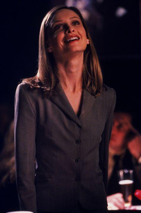 Ally McBeal (Calista Flockhart) fällt es schwer zuzugeben, dass die neue Kollegin eigentlich richtig viel auf dem Kasten hat ... - Bildquelle: Twentieth Century Fox Film Corporation. All rights reserved.