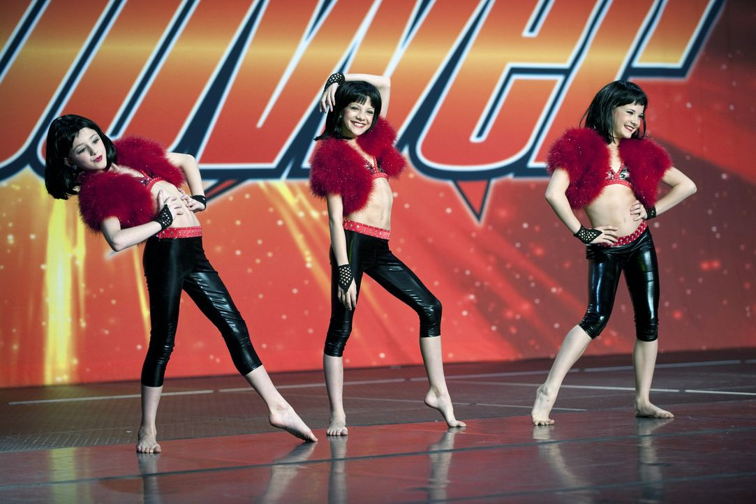 Abbys Mädchengruppe arbeitet fleißig auf den Starquest Wettkampf in Lancaster, Pennsylvania hin. Die sexy Choreografie und die knappen Outfits geb... - Bildquelle: 2011 A&E Television Networks, LLC. All rights reserved.