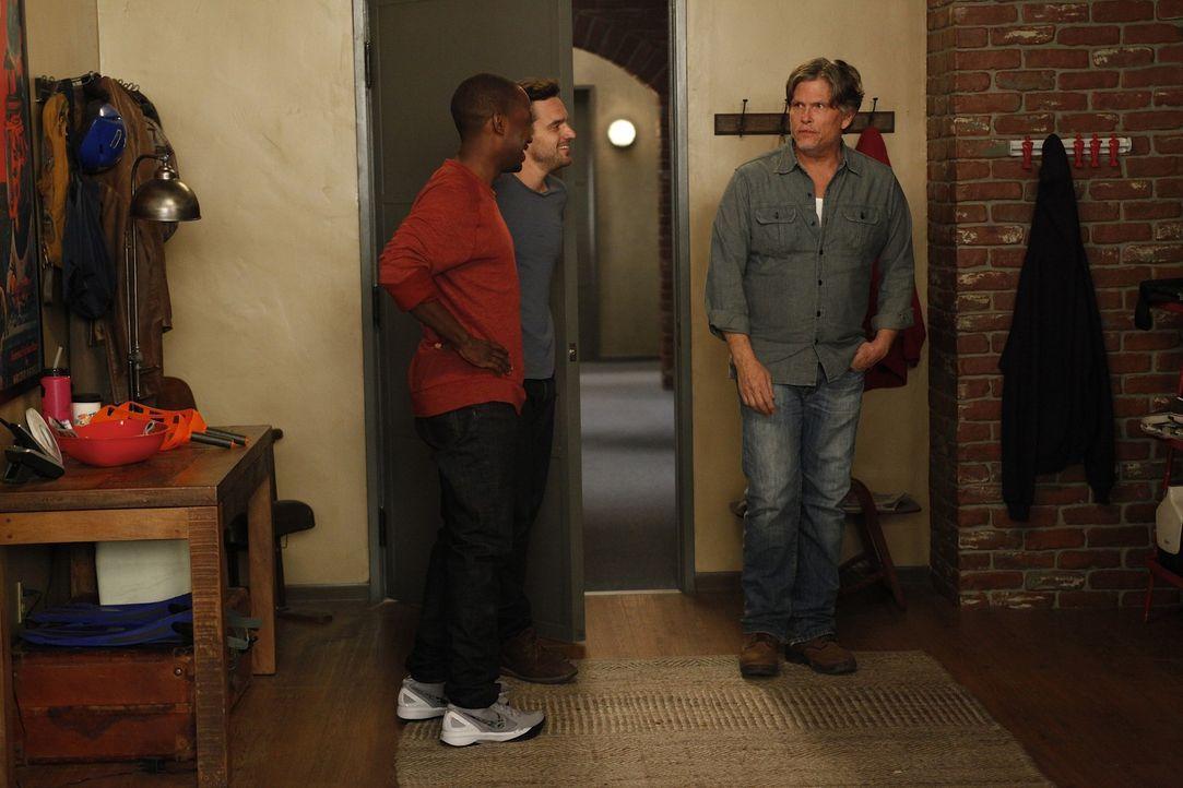 Nach und nach stellt sich heraus, warum Nick (Jake M. Johnson, M.), Schmidt und Winston (Lamorne Morris, l.) das Zusammentreffen mit ihrem Vermieter... - Bildquelle: 20th Century Fox