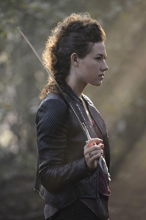 Zoe (Dora Madison) plant einen Anschlag auf Taylor, erwischt jedoch Lukas. Schließlich erkennen Drake und Roman, dass nur sie ihn noch retten können... - Bildquelle: 2014 The CW Network, LLC. All rights reserved.