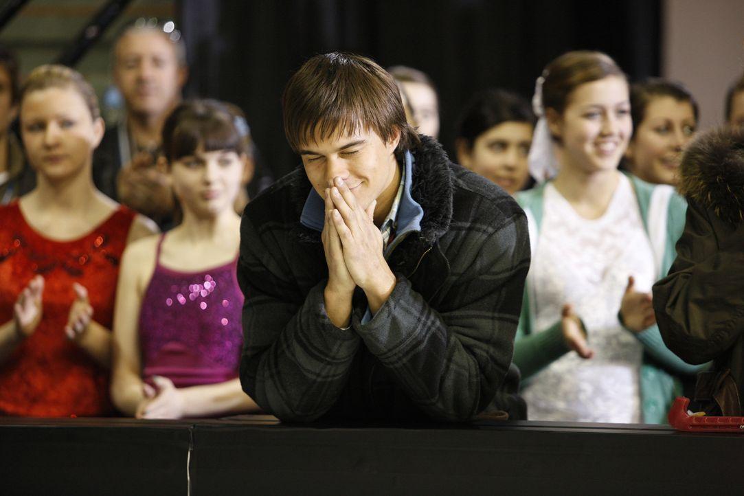 Kann jetzt nur noch beten und Daumen drücken: Nick (Rob Mayes) ... - Bildquelle: 2010 Stage 6 Films, Inc. All Rights Reserved.