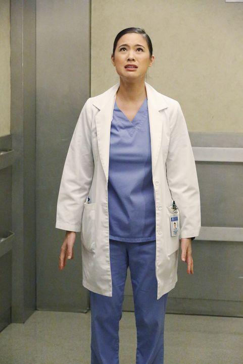 Die Ärzte versuchen alles, um Keith zu retten. Neuling Dr. Shaw (Irene Keng) muss auch mitanpacken, doch bereits ein kleiner Fehler, kann den Patien... - Bildquelle: ABC Studios