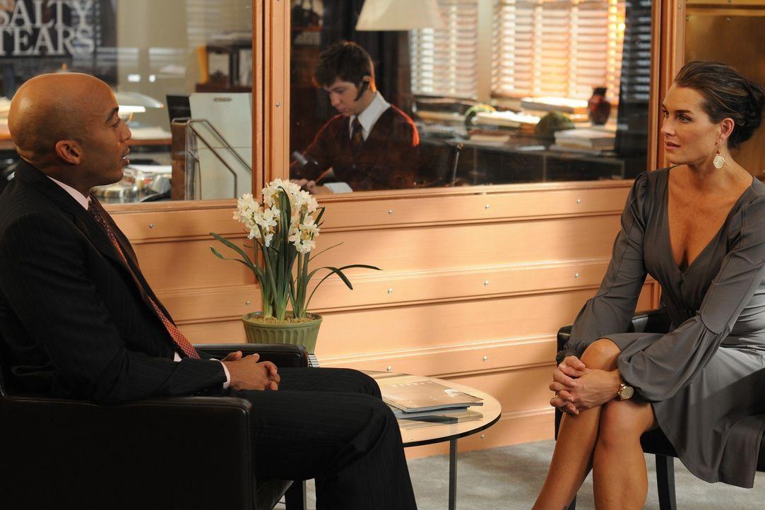 Als Noah bei Dreharbeiten stirbt, bekommt Wendy (Brooke Shields, r.) Ärger mit Griffin (James Lesure, l.) ... - Bildquelle: NBC, Inc.