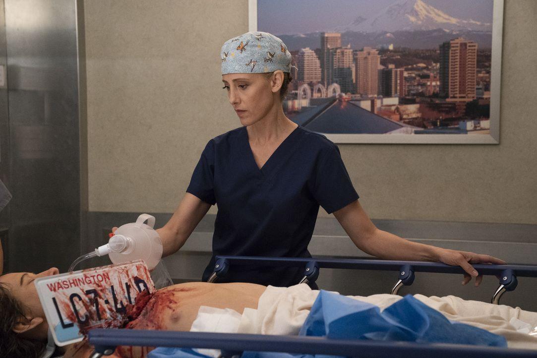 Dr. Teddy Altman (Kim Raver) - Bildquelle: Mitch Haaseth ABC Studios / Mitch Haaseth