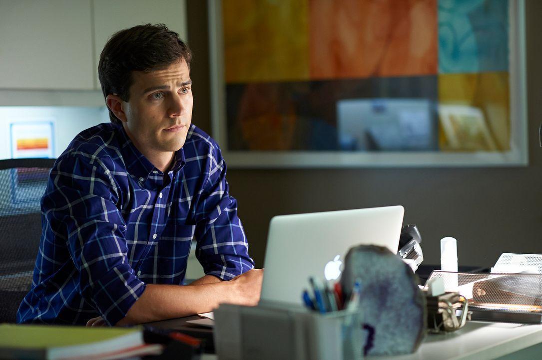 Versucht, seinen Kollegen und Freunden zur Seite zu stehen: Gavin (Kristopher Turner) ... - Bildquelle: 2012  Hope Zee One Inc.