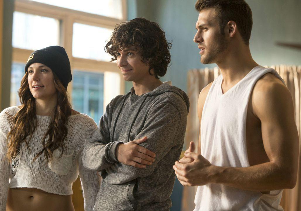Das Tanzen steht für Sean (Ryan Guzman, r.), Andie (Briana Evigan, l.) und Moose (Adam G. Sevani, M.) an erster Stelle. Gemeinsam suchen sie einen W... - Bildquelle: 2014 Constantin Film Verleih GmbH.
