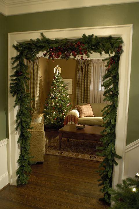 Die ganze christliche Welt bereitet sich auf das Weihnachtsfest vor. Auch die Familie Griffin. Da teilt Ellen Griffin ihrem Ehemann mit, dass sie ih... - Bildquelle: TM &   2009 CBS Studios Inc. All Rights Reserved.