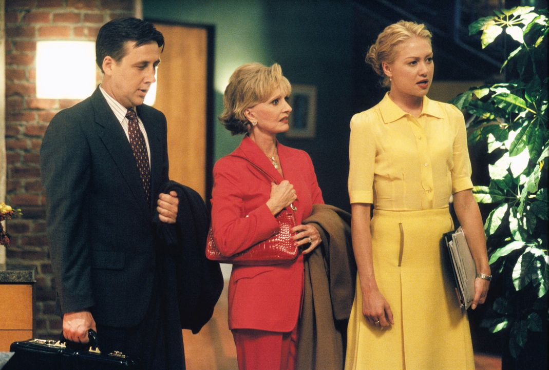 Heikle Verhandlungen: Attorney Walter Emerson (Robert Briscoe Evans, l.), Dr. Shirley Grouper (Florence Henderson, M.) und Nelle (Portia de Rossi, r... - Bildquelle: 2000 Twentieth Century Fox Film Corporation. All rights reserved.