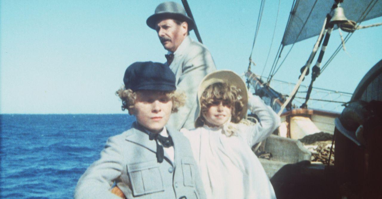Auf der Fahrt über den Pazifik: Der kleine Richard (Glenn Kohan, l.), sein Vater (William Daniels, M.) und Emmeline (Elva Josephson, r.) ... - Bildquelle: Columbia Pictures